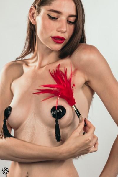 Tickler Burlesque Plume Red